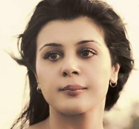 Anishka Khosla Hindi Actress