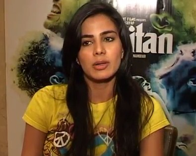 Kirti Kulhari Hindi Actress