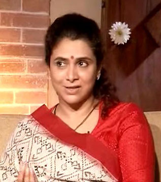 Supriya Pilgaonkar Hindi Actress