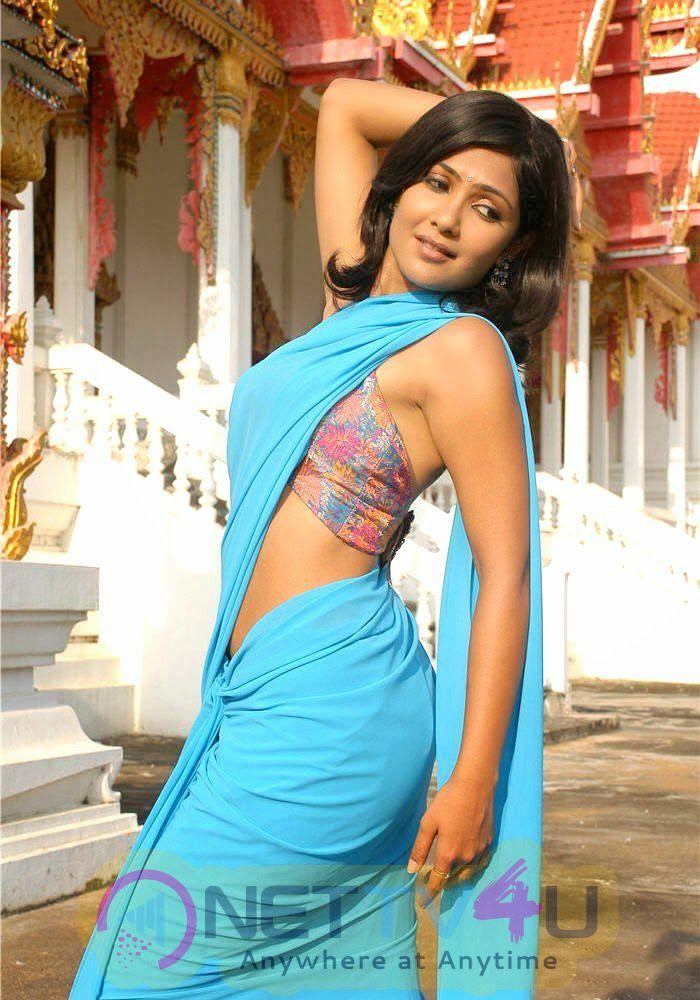 Actress Kamalinee Mukherjee Latest Fanciful Photos Telugu Gallery