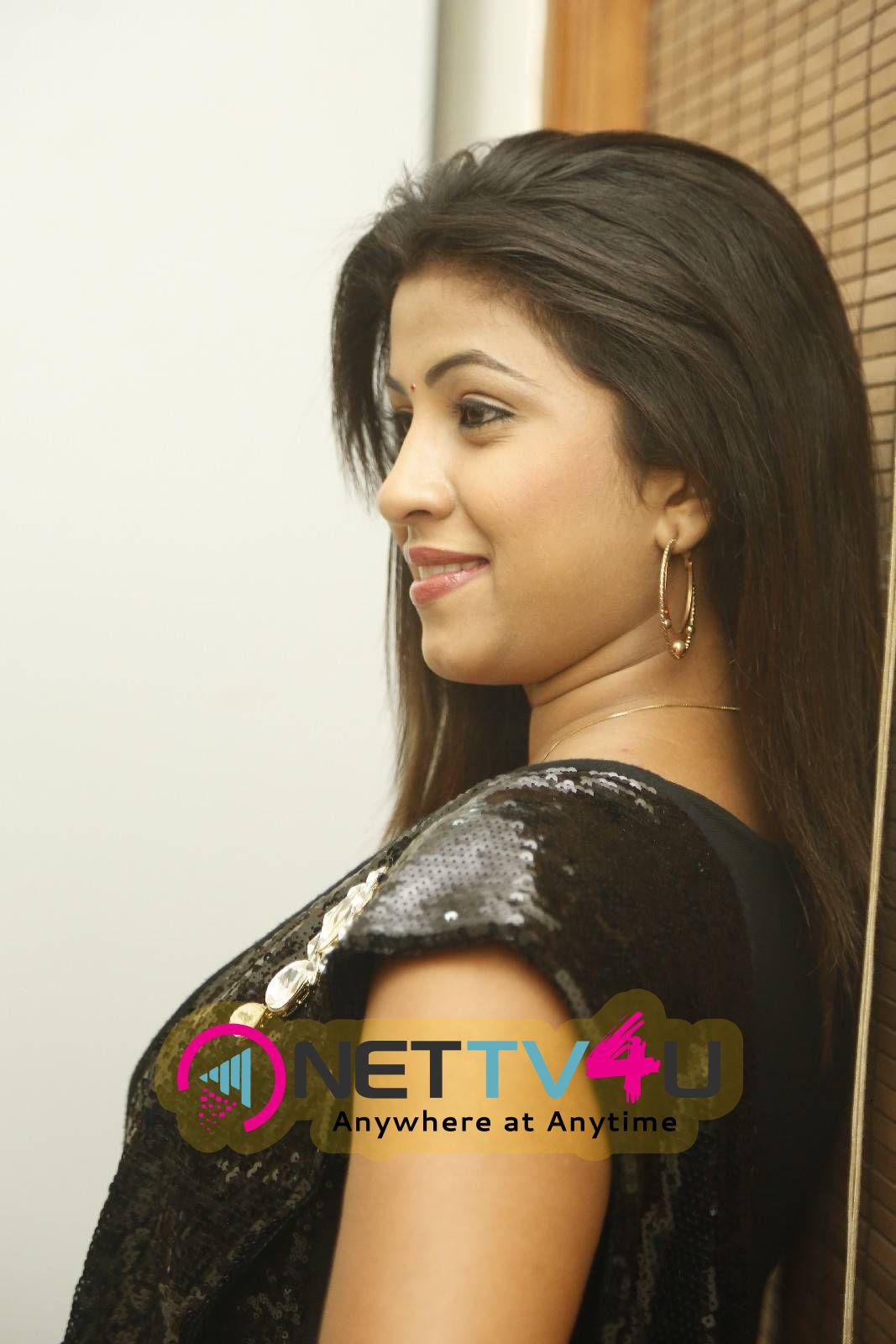 actress gethanjali at chinema choopistha maava audio lauch photos 1