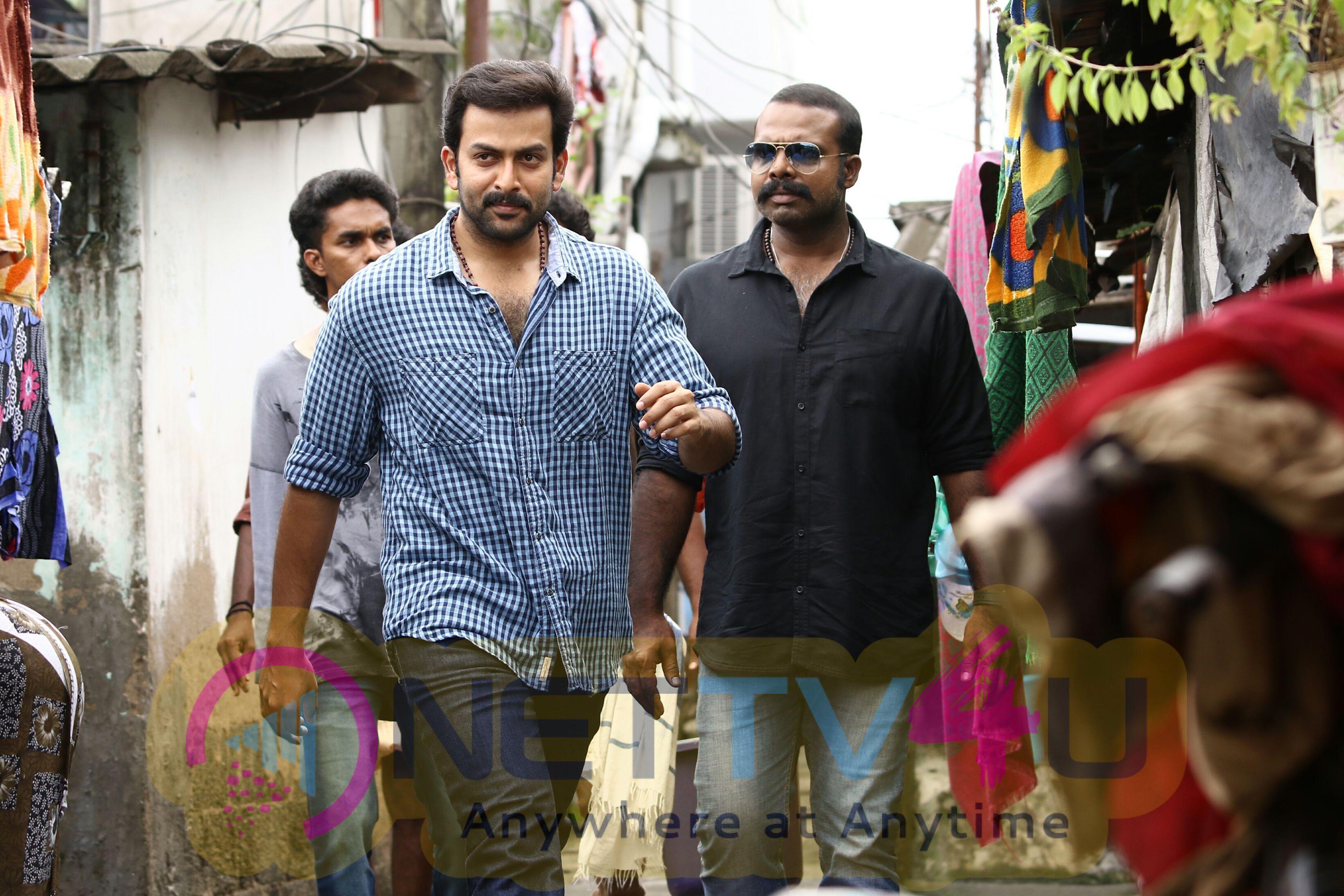 Darvinte Parinamam Malayalam Movie Stills Malayalam Gallery