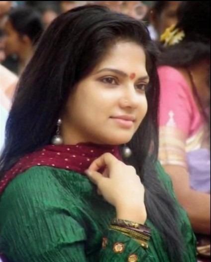 Diya Tamil Actress