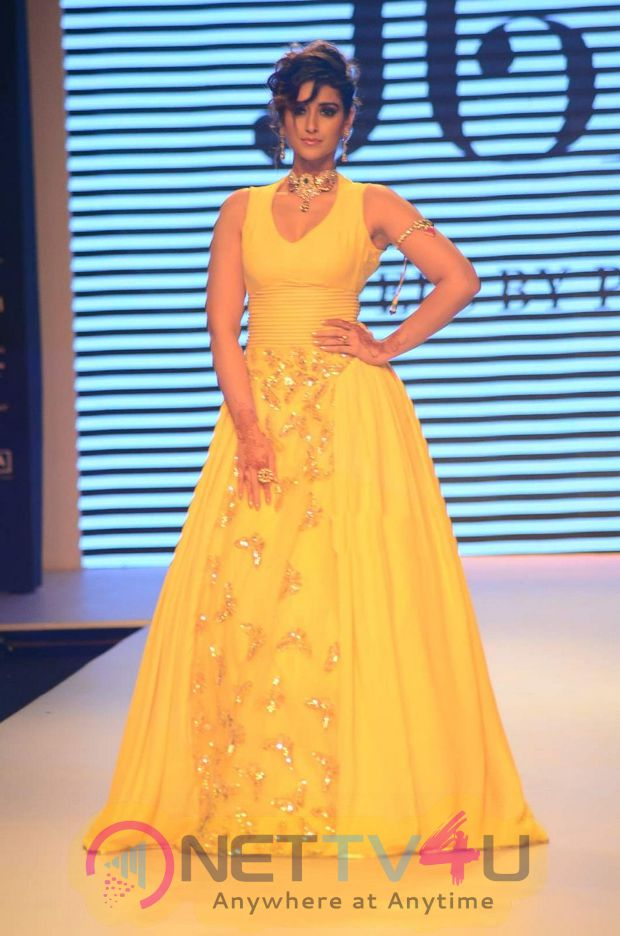 ileana photos at iijw 2015 1