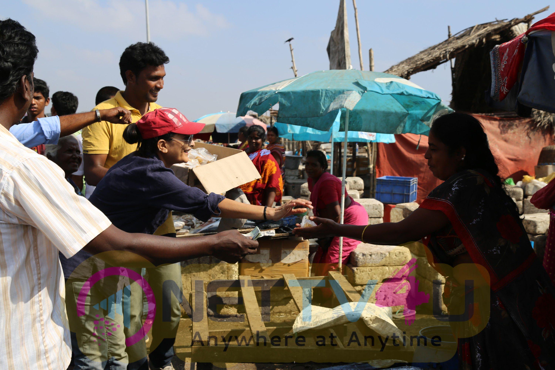 Irudhi Suttru Director Sudha Kongara Thanked Nochi Kuppam People Photos Tamil Gallery