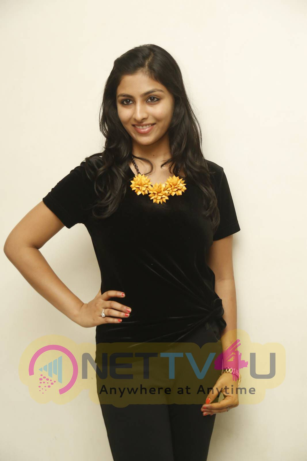 latest photos of actress kruthika jayakumar at vinavayya ramayya movie press meet 1