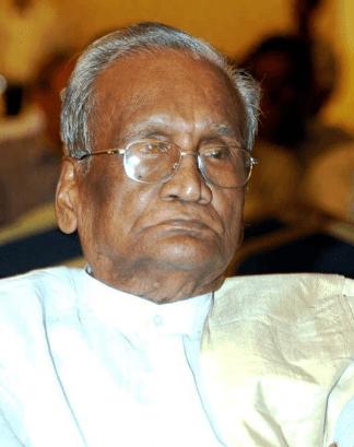 Tollywood Director Mallemala Sundara Rami Reddy Biography