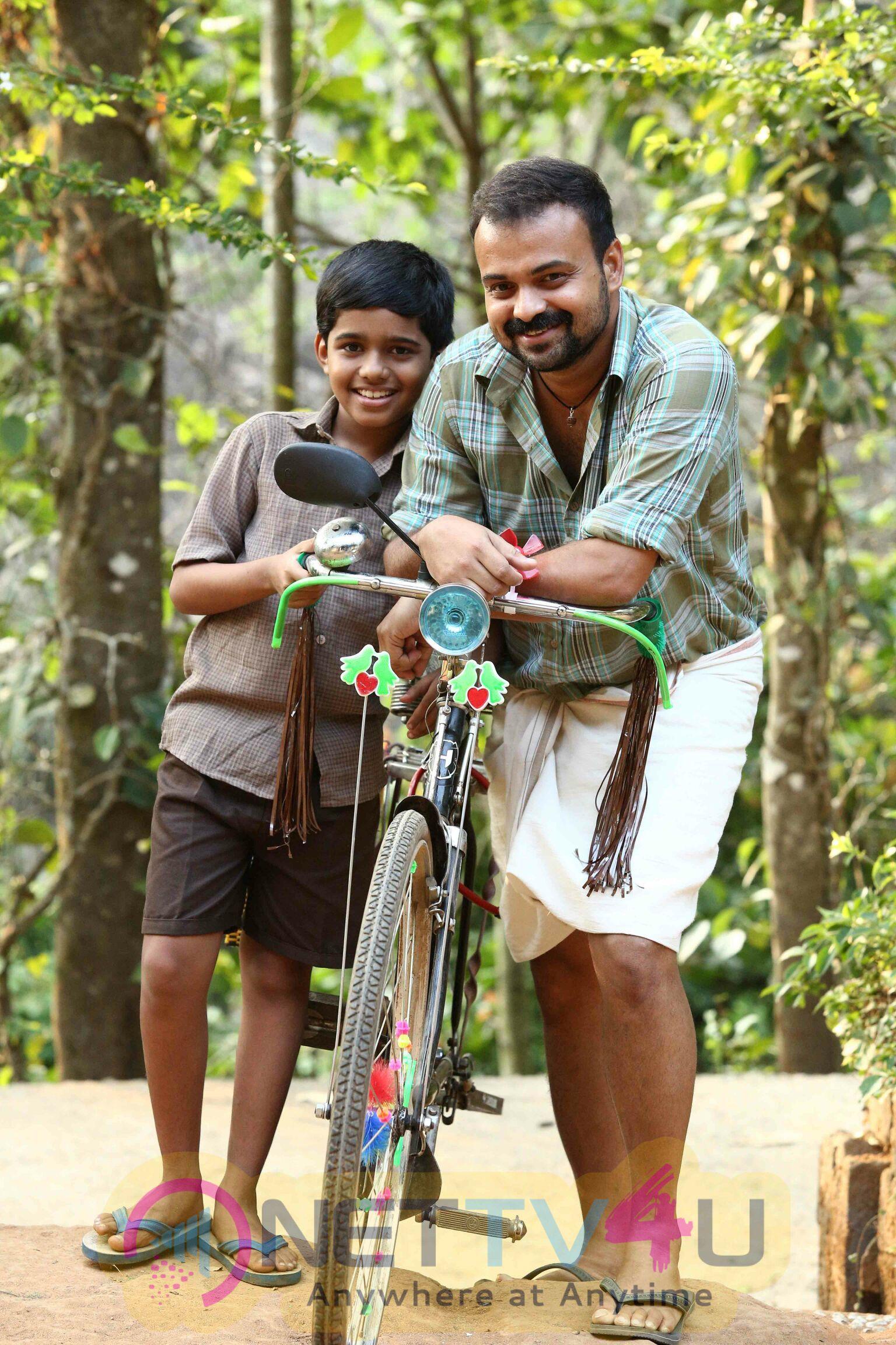 Malayalam Movie Kochavva Paulo Ayyappa Coelho Working  Stills Malayalam Gallery