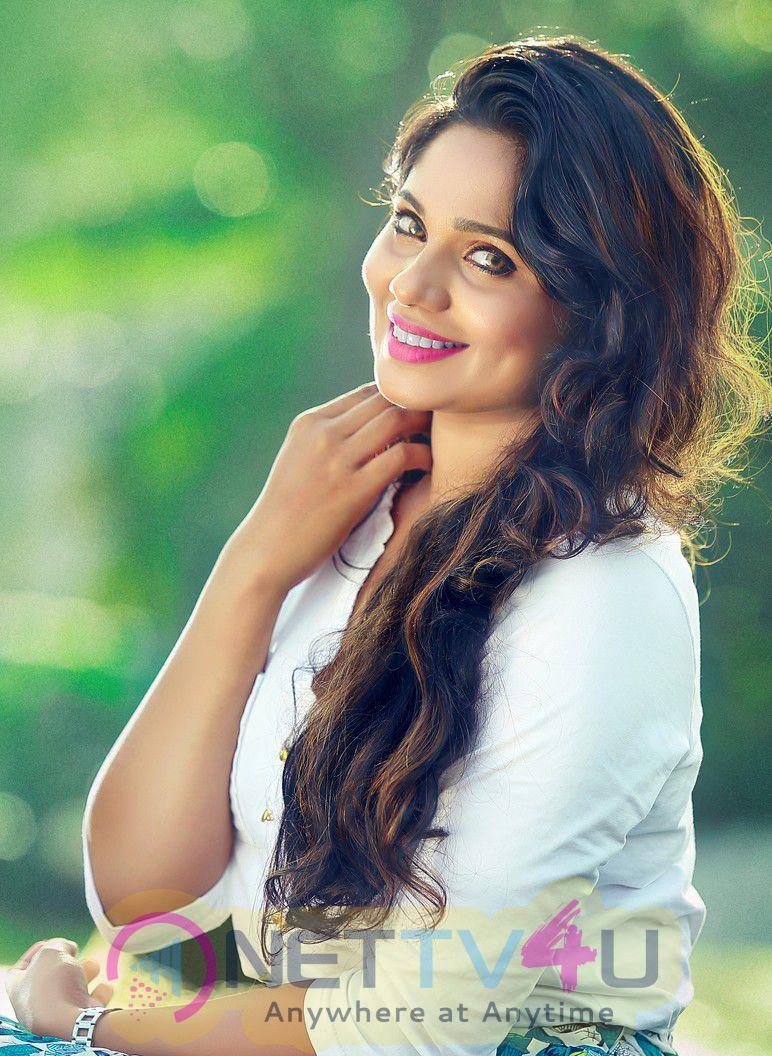 New Tamil Actress Samarthya Nedimaram Photo Shoot  Pics Tamil Gallery