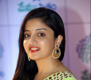 Poonam Kaur Telugu Actress