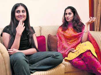 Shalini's Sister To Be Seen On Screen! | NETTV4U