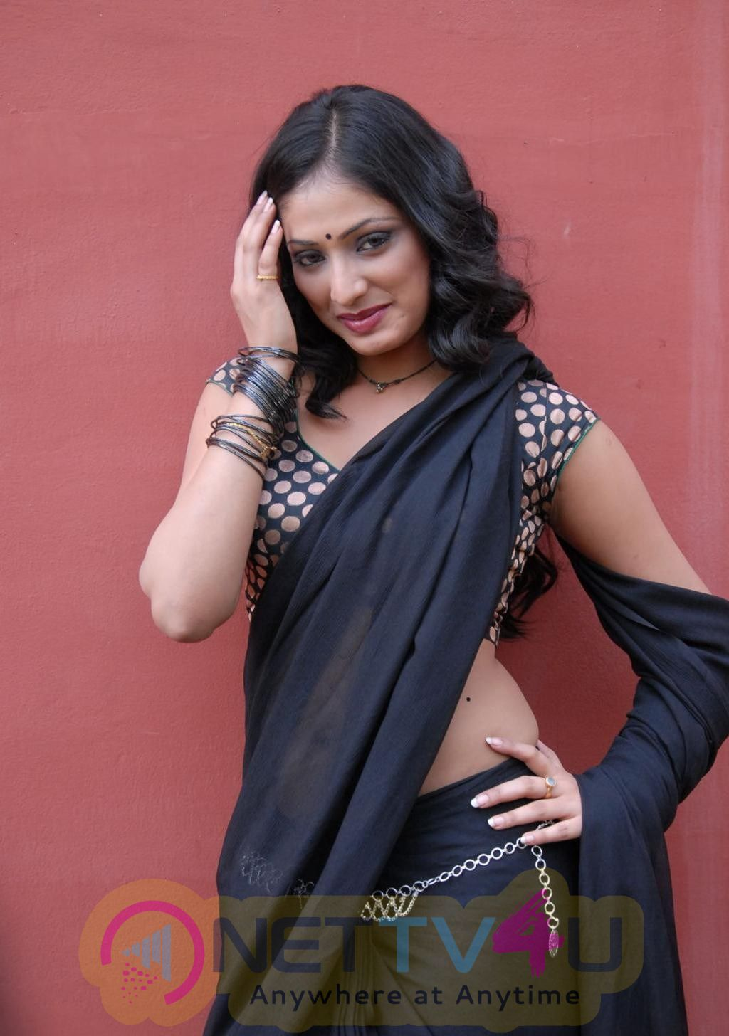 Telugu Actress Hri Priya Hot Latest Saree Stills & High Quality Photos Telugu Gallery