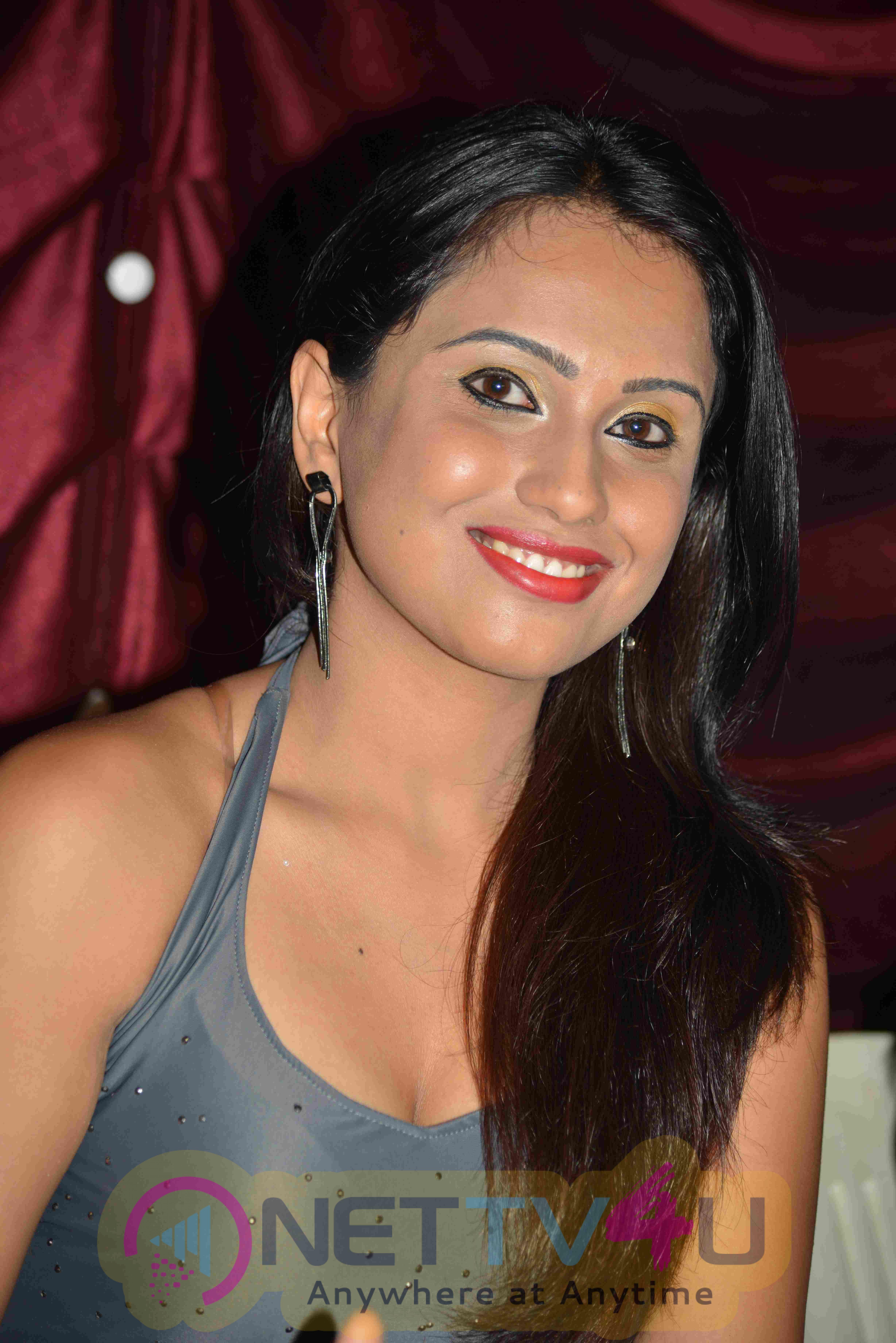 Varthamana Kannada Film Teaser Release Excellent Photos Kannada Gallery