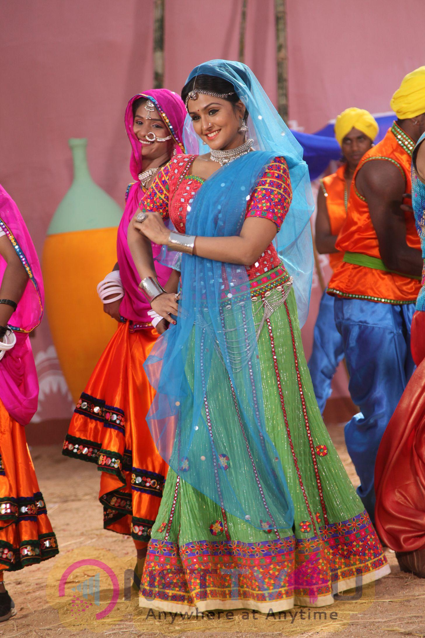 Actress Ramya Nambeesen Style King Kannada Film Latest Stills