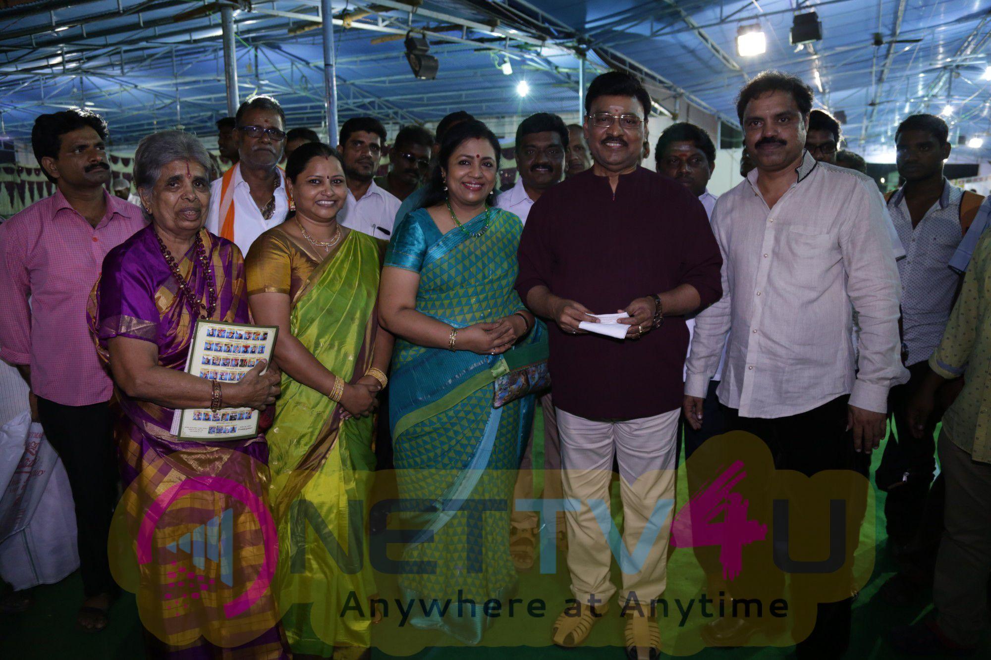 director k bhagyaraj a mrs poornima bhagyaraj inaugurated unavu thiruvizha  40 chennaiyil thiruvaiyaru season 11 stills 1