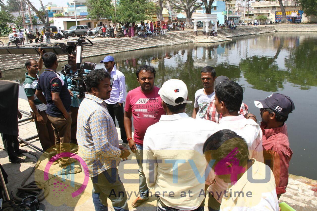 Idi Naa Love Story Telugu Movie Working Attractive Stills