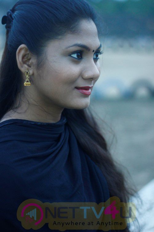 Tamil Actress Shruthi Reddy New Photo Shoot Images Tamil Gallery
