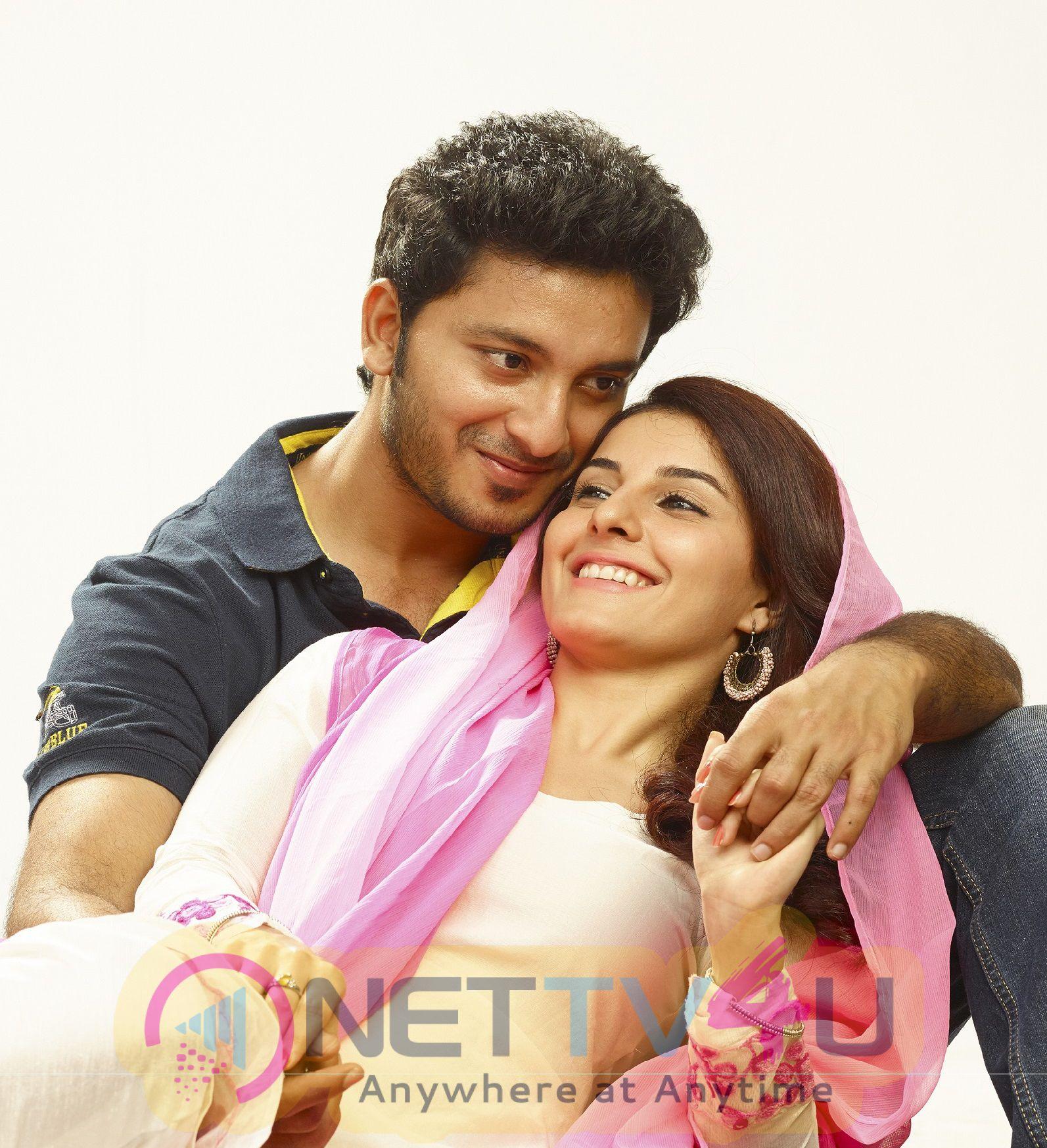 Tamil Movie Meendum Oru Kadhal Kadhai Exclusive Stills