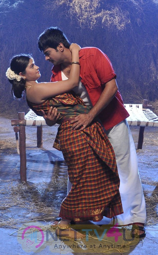 Tamil Movie Uyirukku Uyiraga Hot Latest Exclusive Photos