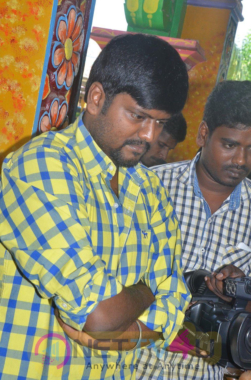 235 Vathu Thgudhi Tamil Movie Pooja Attractive Stills