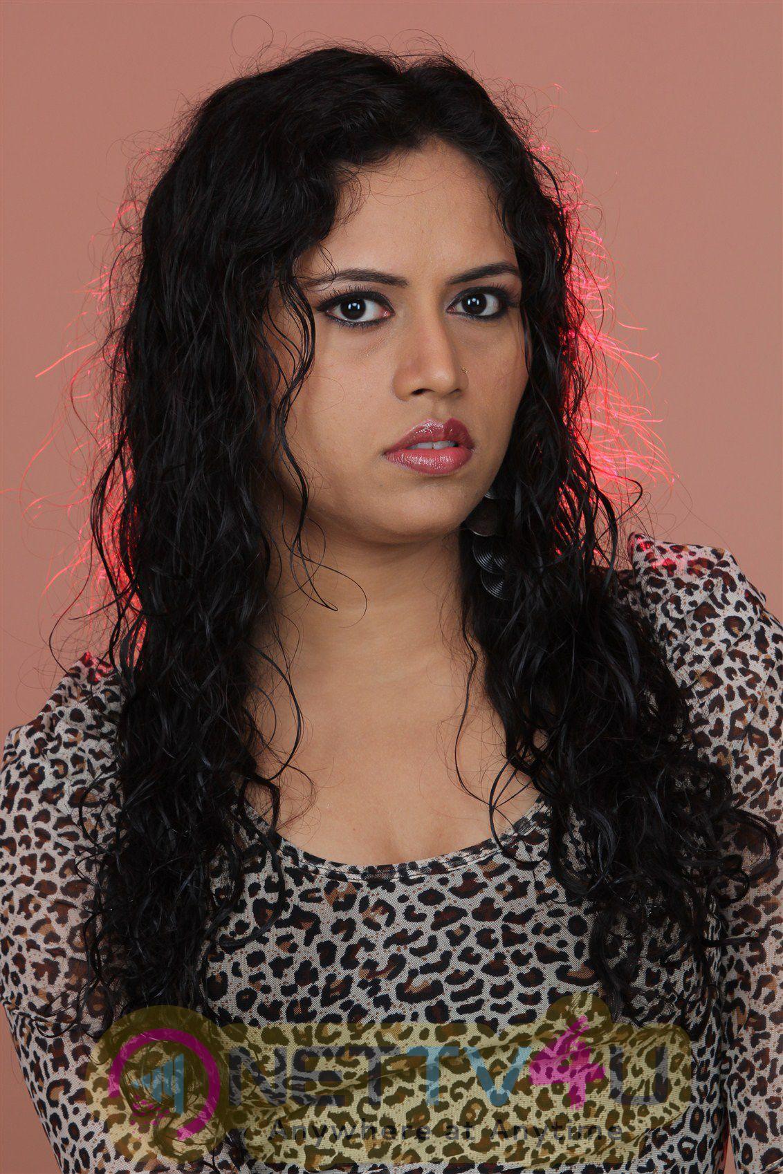 Actress Maya Chandran Photo Shoot Images
