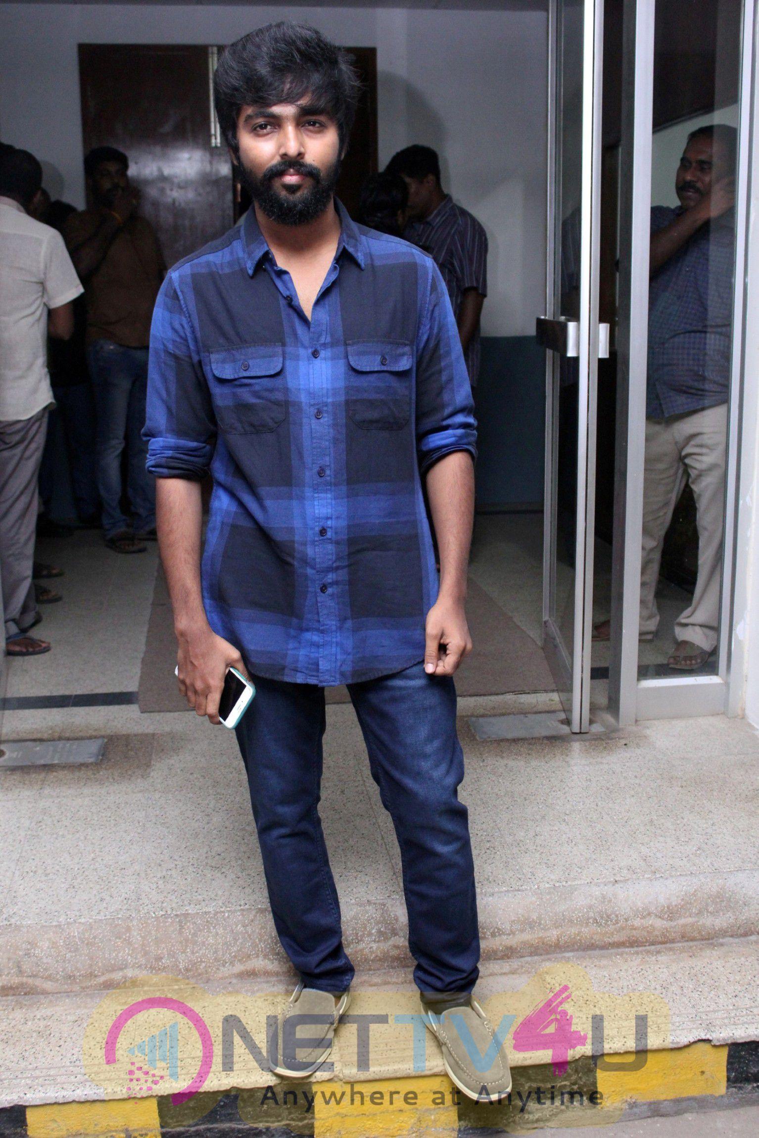 Kadavul Irukan Kumaru Movie Teaser Launch Photos
