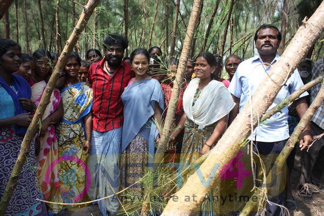 Keluthi Tami Movie Working Stills