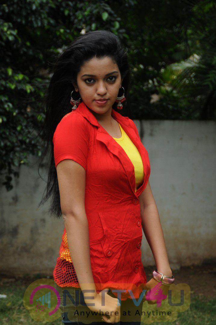 Tamil Movie Panam Kaaikkum Maram Exclusive Photos