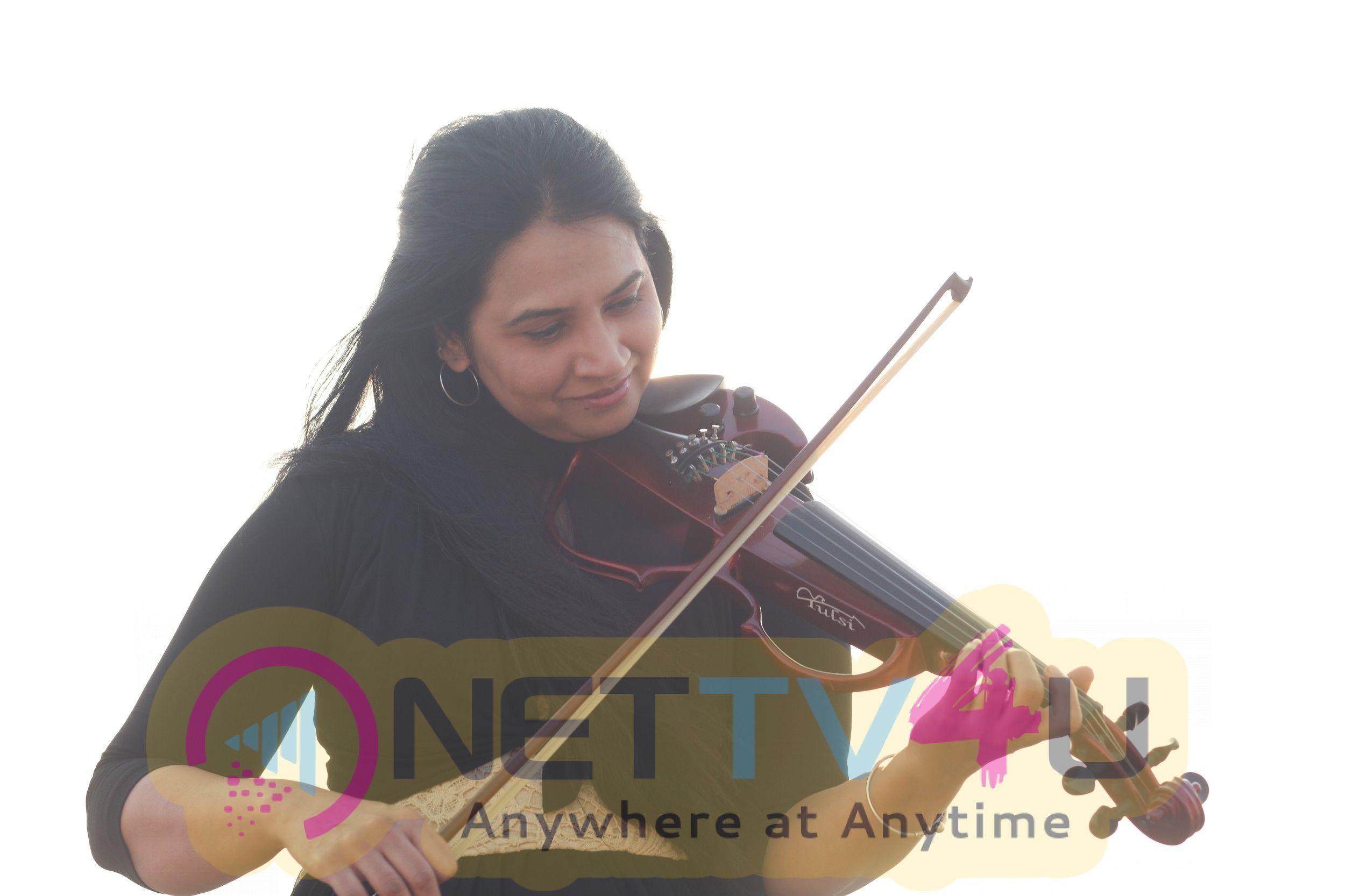 Musician Padma Shankar Cute Stills Tamil Gallery