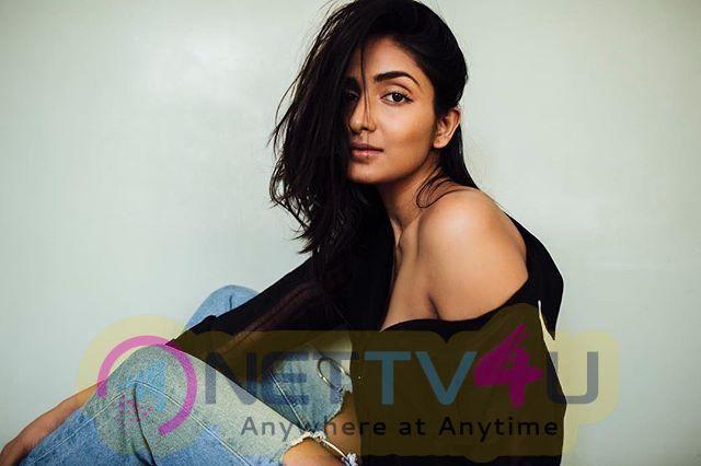 Model Aishwarya Sushmita Sexy Pics