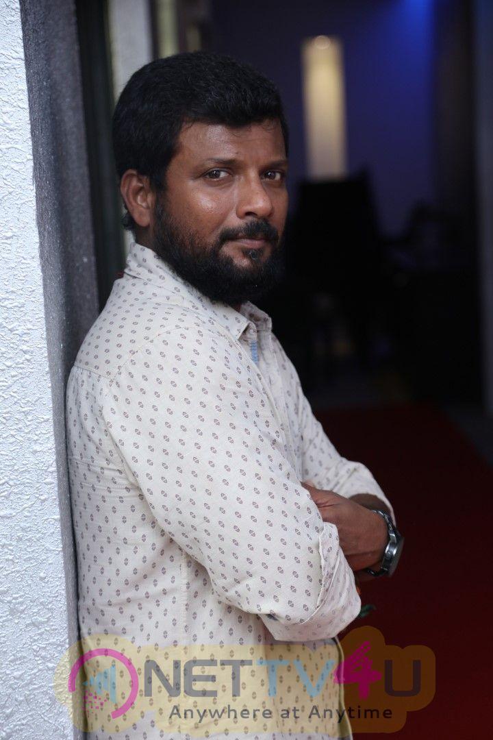 Oru Kuppai Kadhai Movie Premiere Show Photos