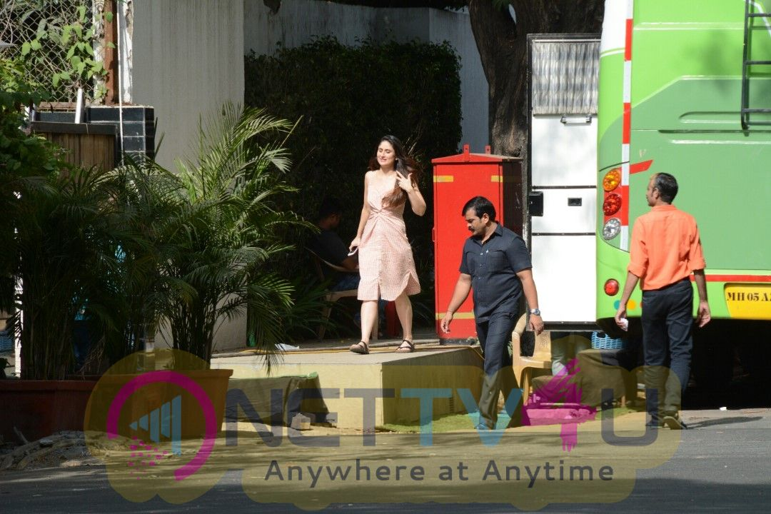Saif Ali Khan And Kareena Kapoor Khan Shooting Spot Images   Hindi Gallery