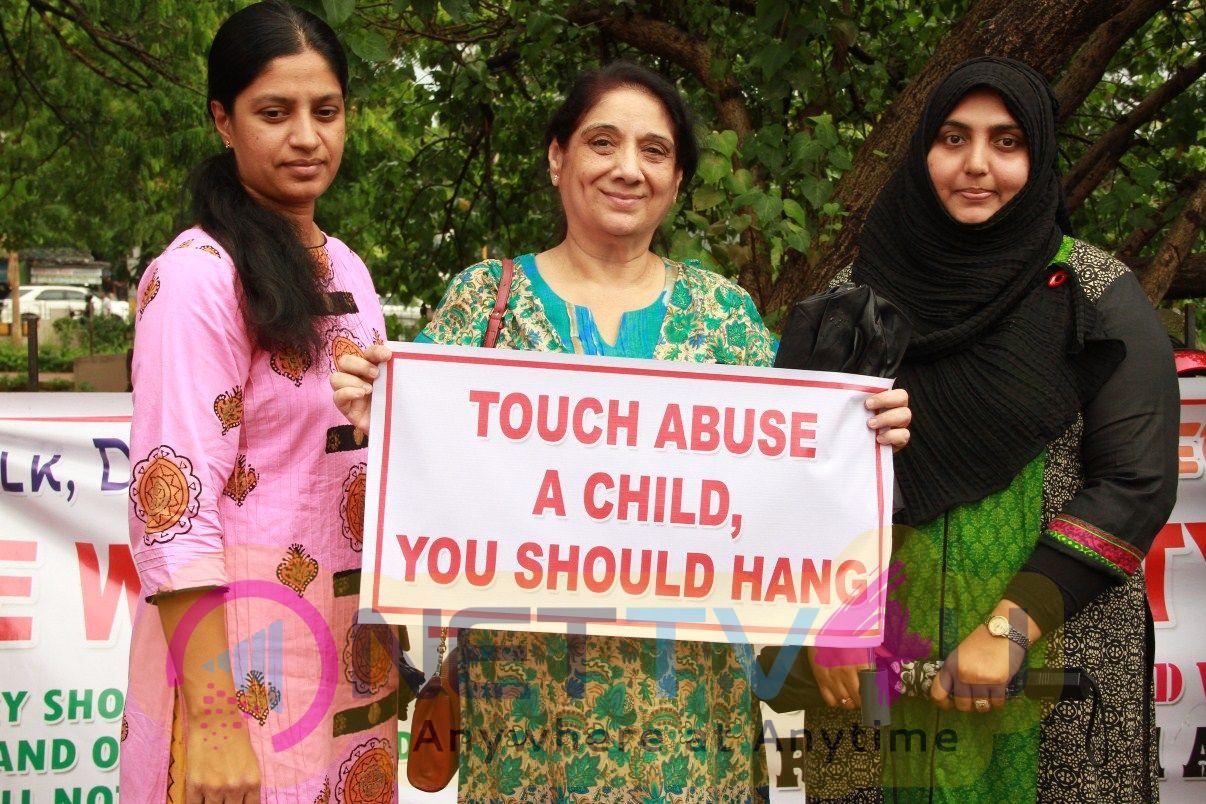Students & Celebrities At ValluvarKottam Ayanavaram Minor Girl Molestation Case Solidarity Protest  2018 Pics