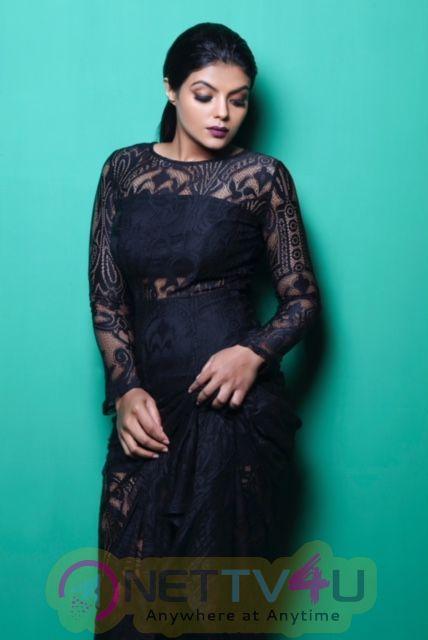 Actress Tejashree Jadhav Good Looking Stills