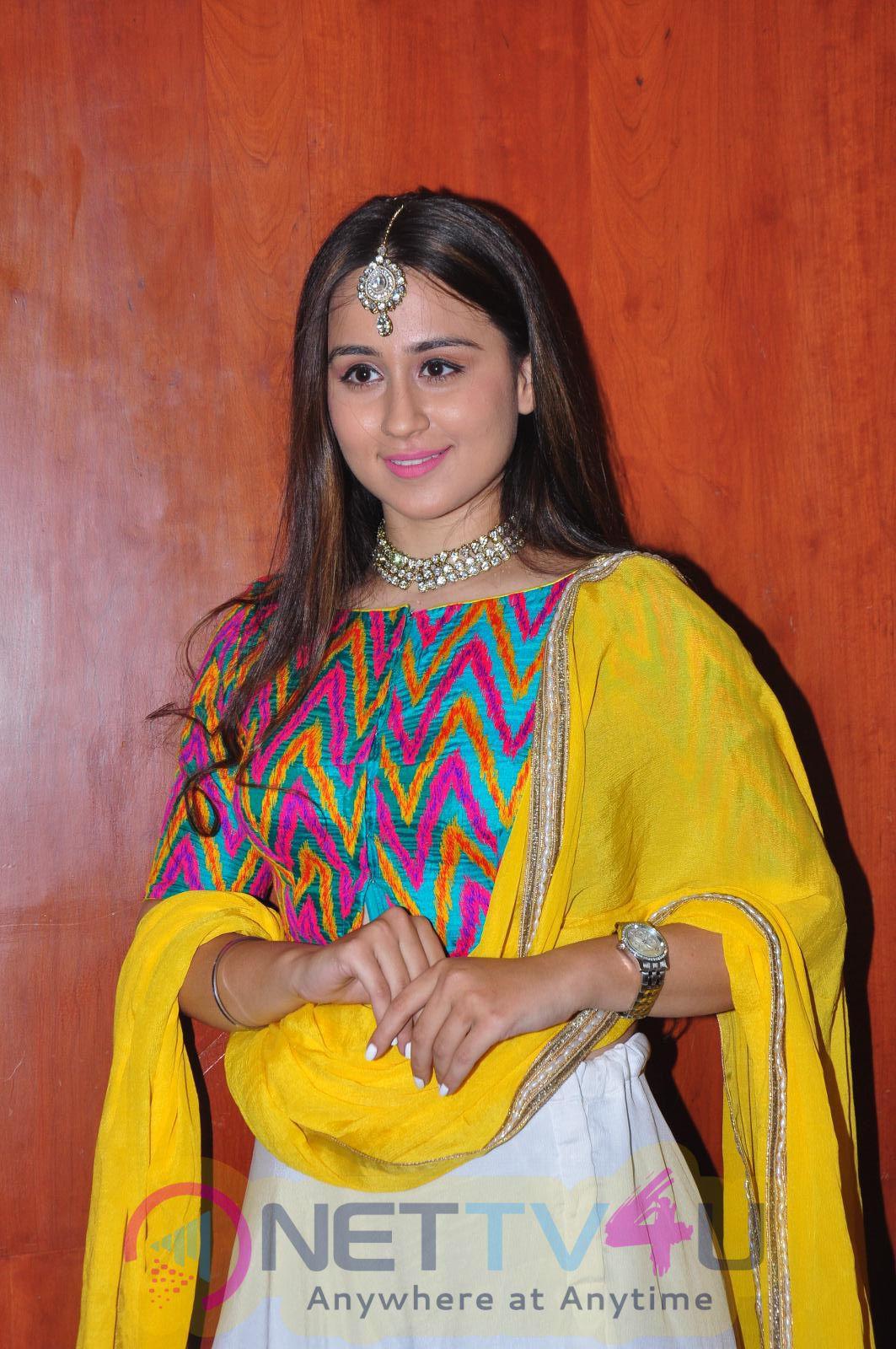 Simrath Juneza At Hi Life Grand Fashion Showcase Event  Telugu Gallery