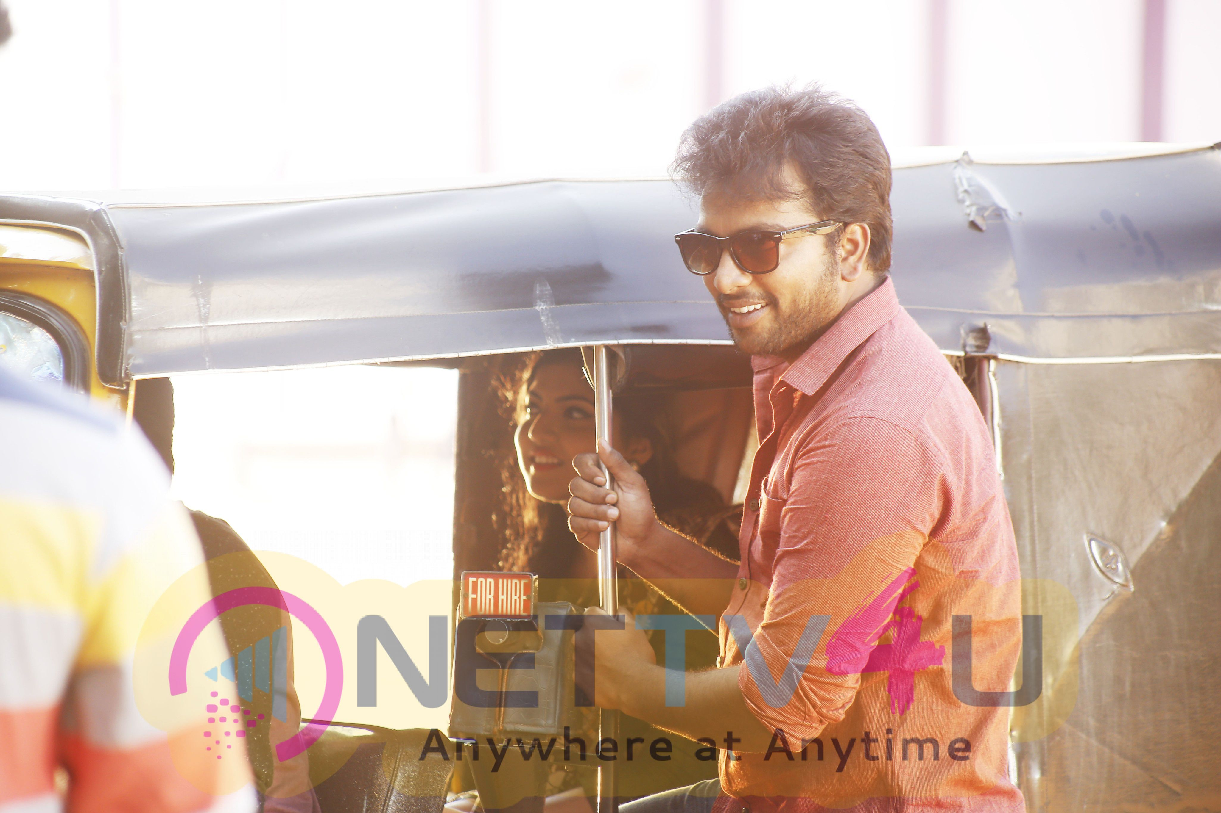 Pattinapakkam Tamil Movie New Looking Stills