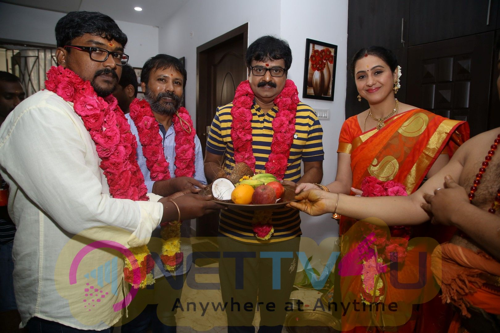 Ezhumin Movie Pooja Stills