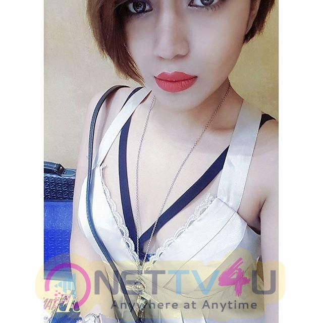 Model Navya Ramesh New Pics Hindi Gallery