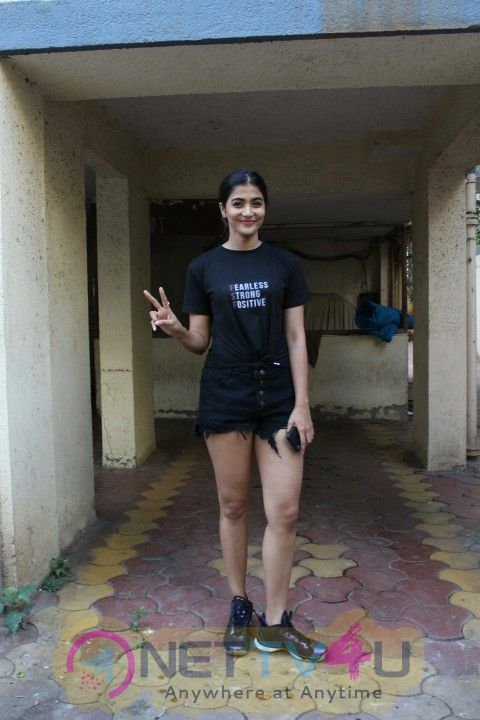 Pooja Hegde Came To Her Apartment
