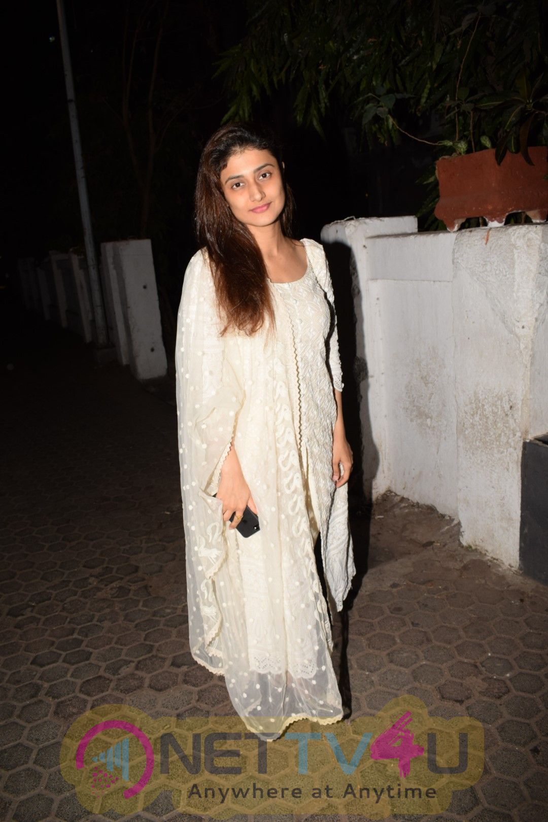 Ragini Khanna Came To Prithvi Theater