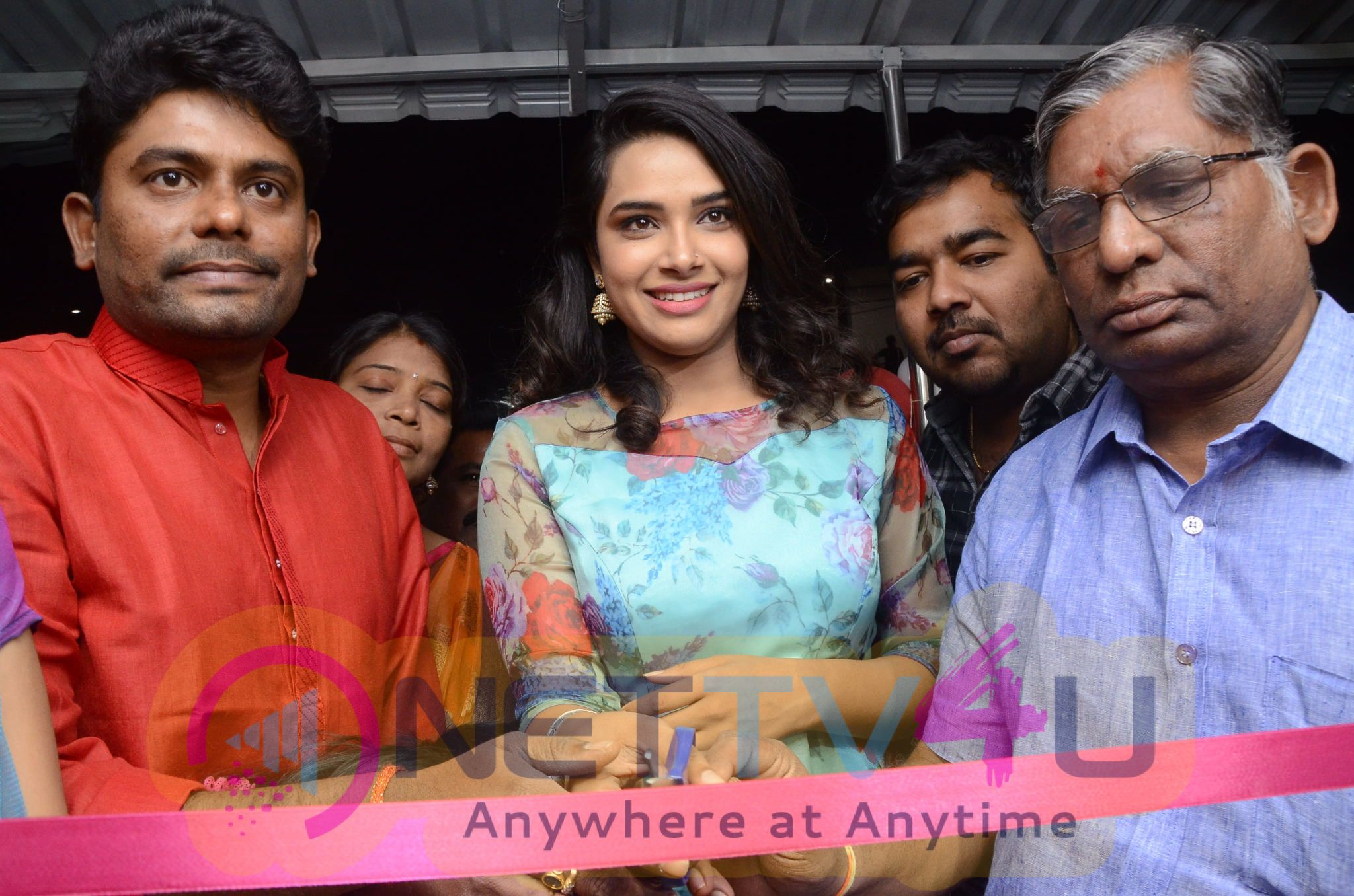 Grand Opening Chervi Super Store Inauguration By Cine Actress Hari Teja At Nizampet Stills