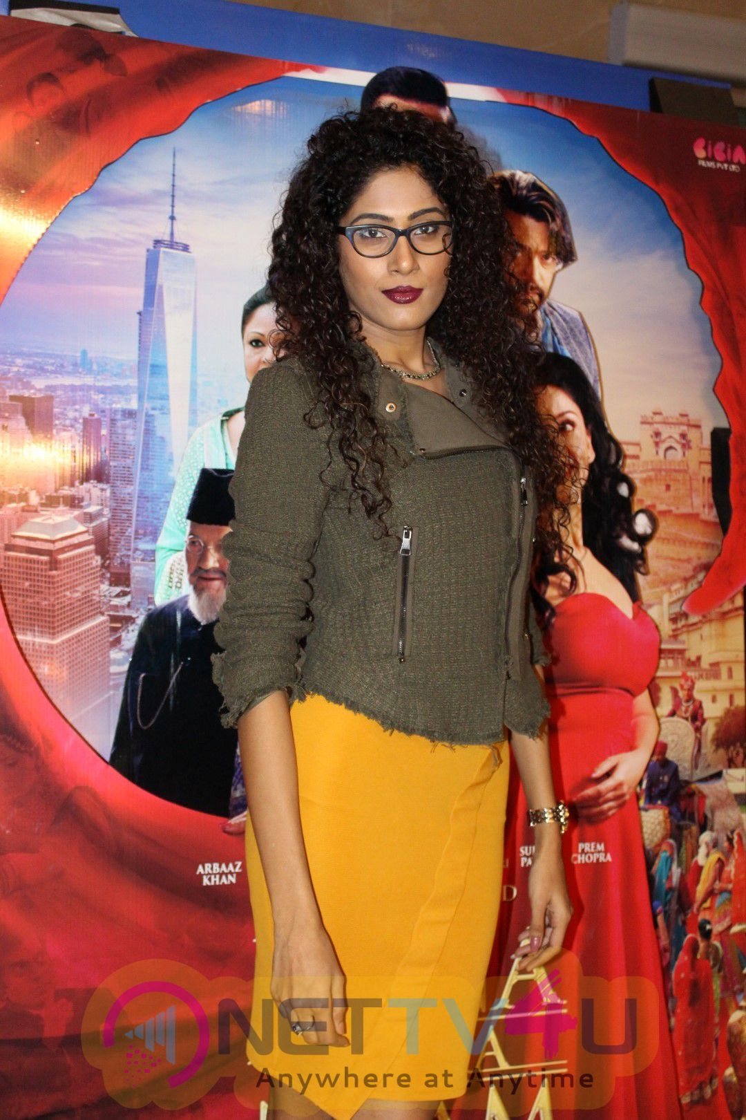 Star Studded Premier Of Film Jeena Isi Ka Naam Hai Photos