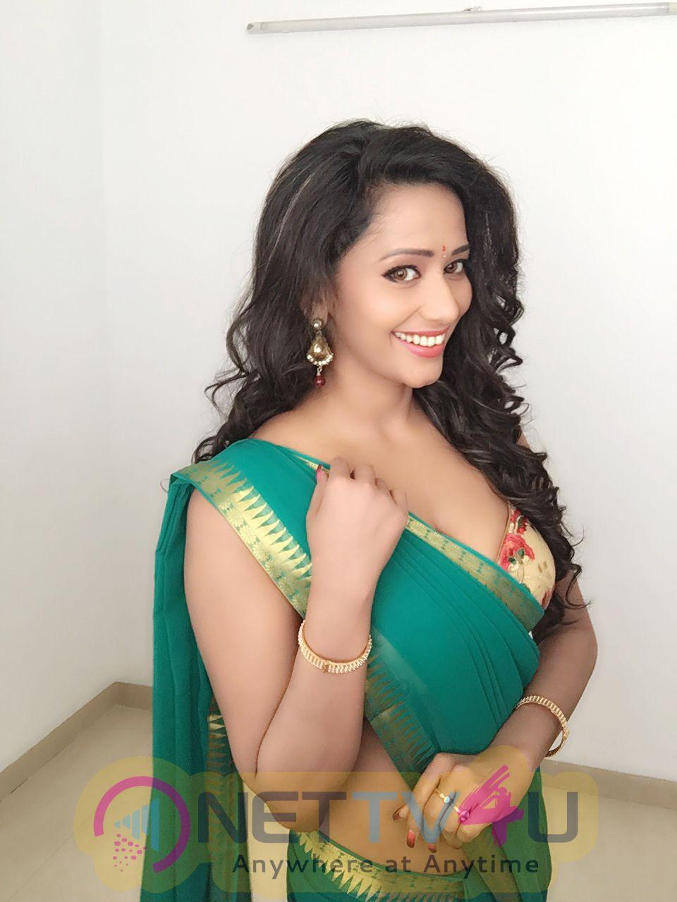 Sanjana Singh Latest Cute Pics