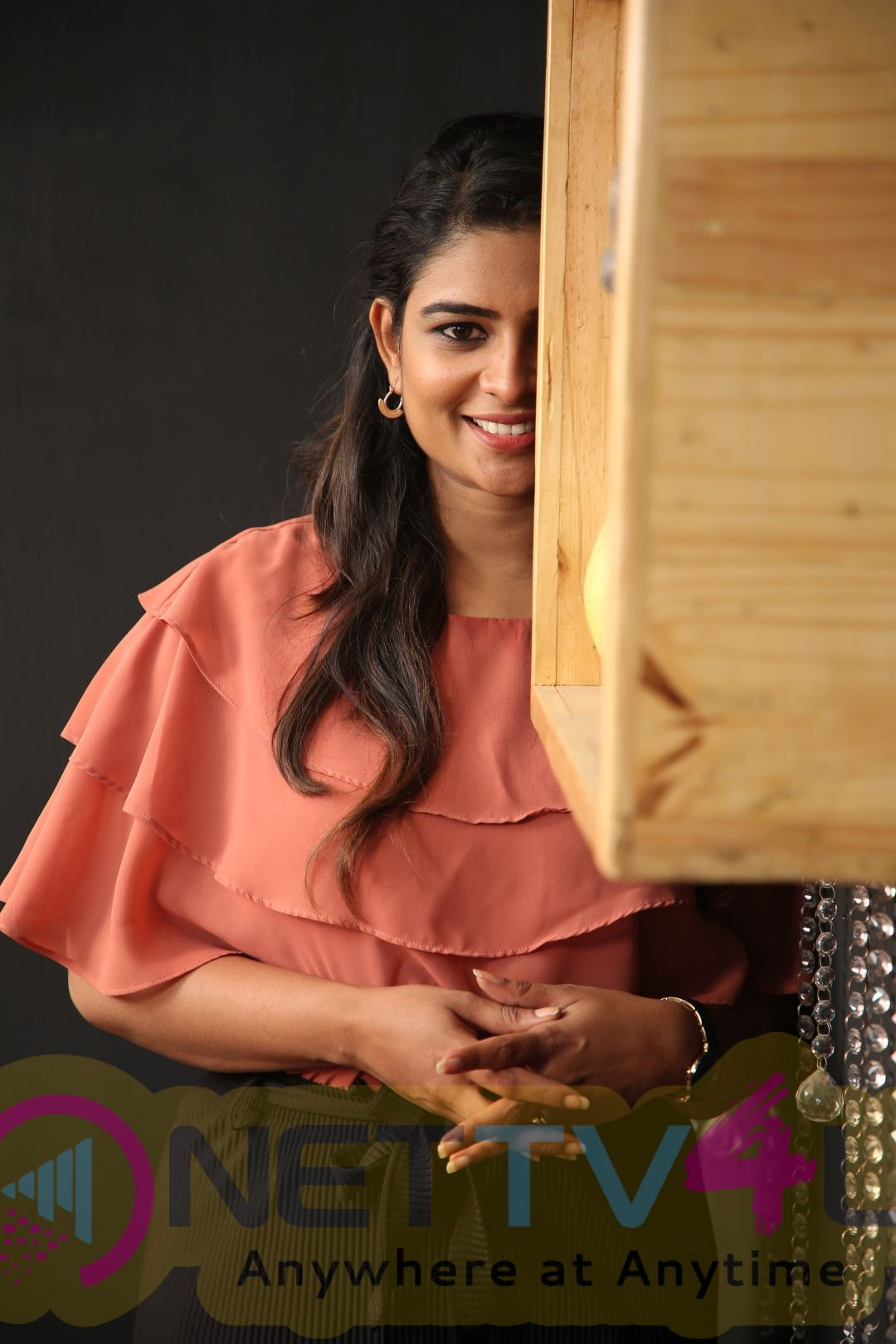 Anchor Maheswari Exclusive Interview Pics Tamil Gallery
