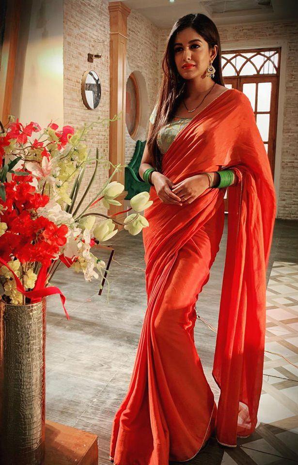Actress Ishita Dutta Endearing Photos Kannada Gallery