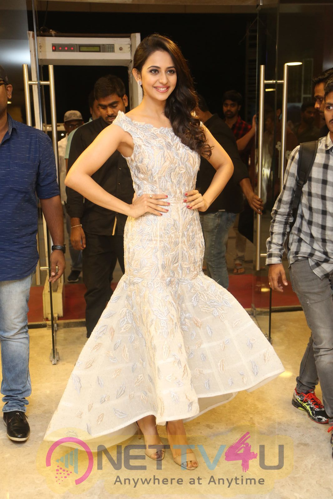 Actress Rakul Preet Singh Smart Looking Pics