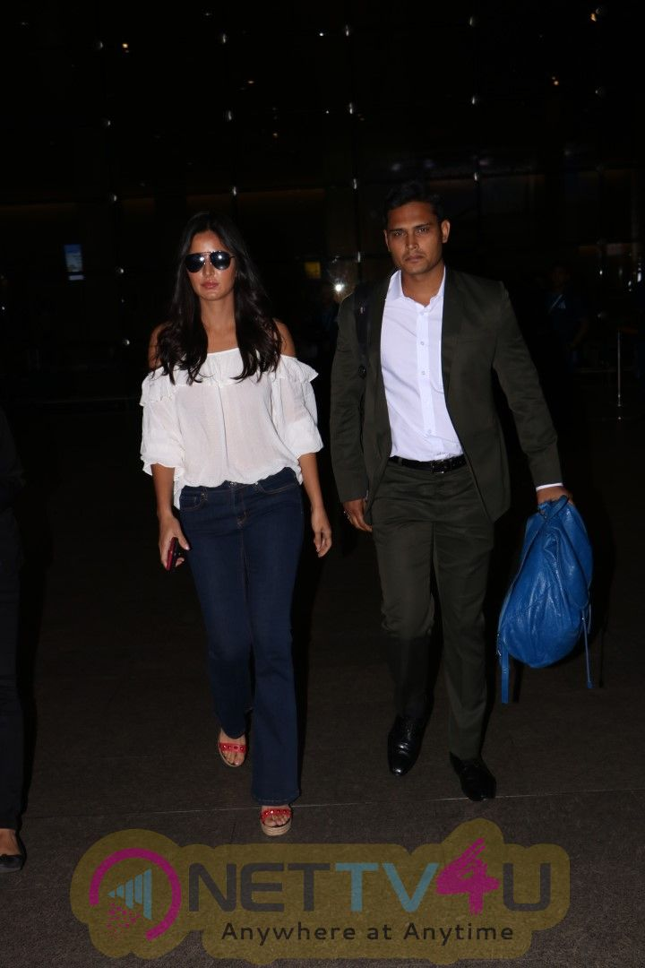 Katrina Kaif Spotted At The Airport Images