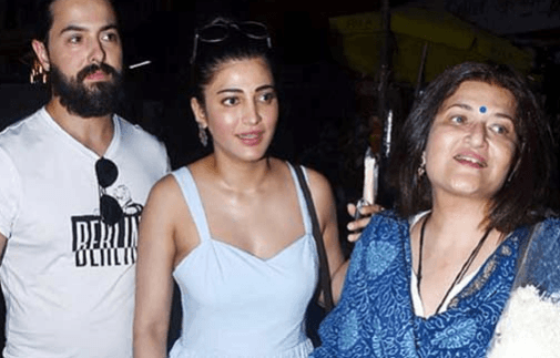 Shruti Haasan Introduces Friend To Her Mother
