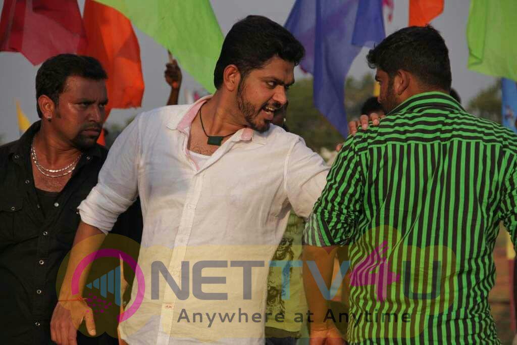 Actor Sakthivasu Enticing Stills