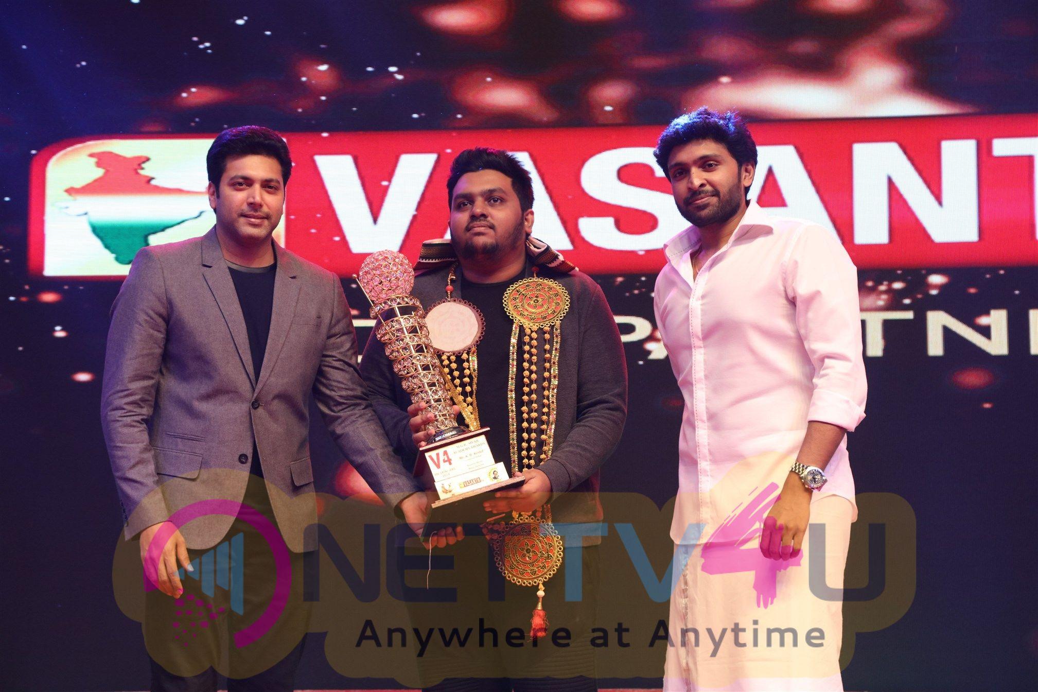 V4 MGR Sivaji Academy Awards 2018 Stills Tamil Gallery